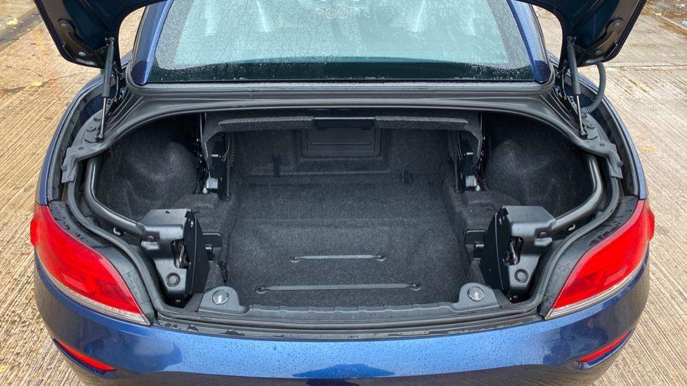 Image 13 - BMW sDrive20i M Sport Roadster (YT12ZXB)