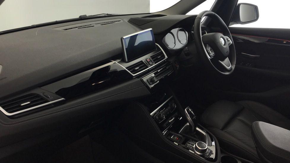 Image 6 - BMW 218i Sport Gran Tourer (YL69HNZ)