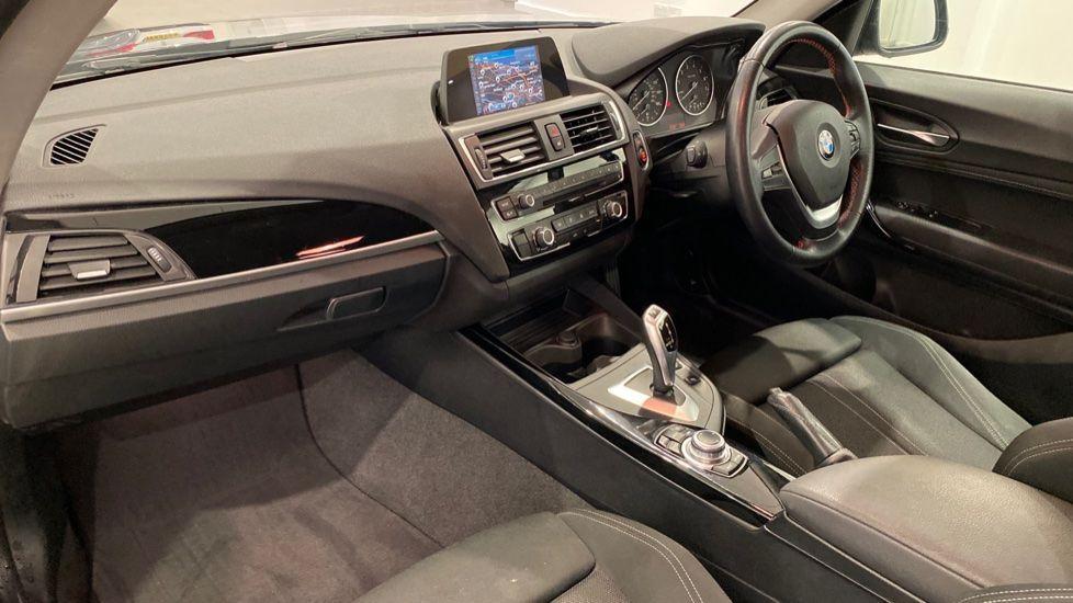 Image 11 - BMW 118i Sport 3-Door (LT17KBV)