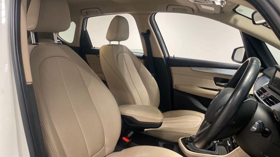 Image 11 - BMW 218d Luxury Active Tourer (PO15VTN)