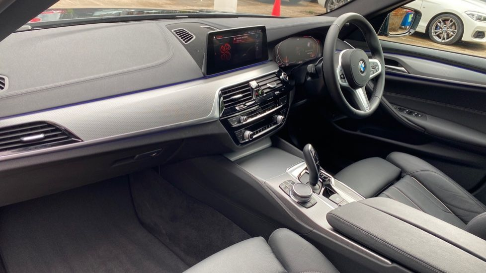 Image 6 - BMW 520d M Sport Touring (YD69ADN)