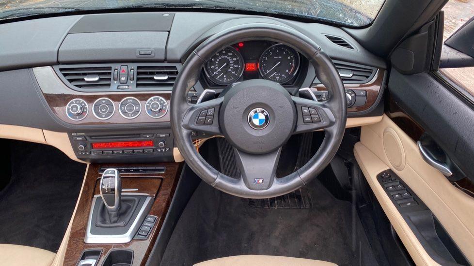 Image 8 - BMW sDrive20i M Sport Roadster (YT12ZXB)