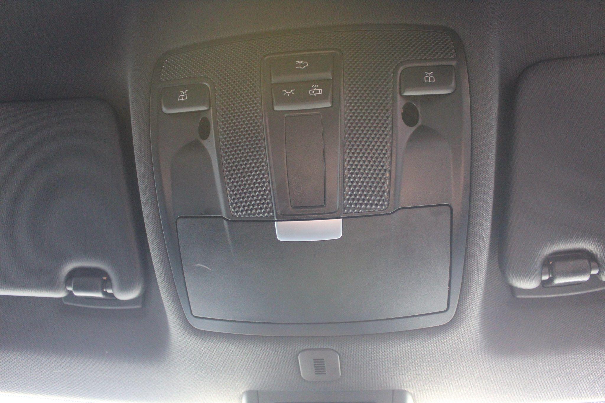 Mercedes-Benz GLA Images
