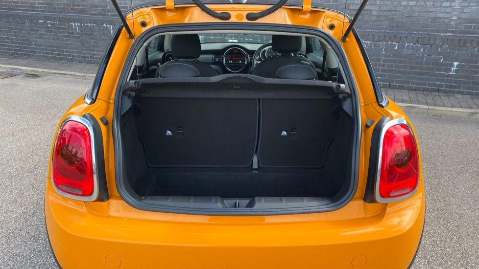 Image 13 - MINI Hatch (MM66OTH)