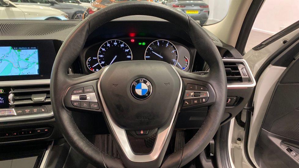 Image 8 - BMW 318d Sport Saloon (YA69NNL)