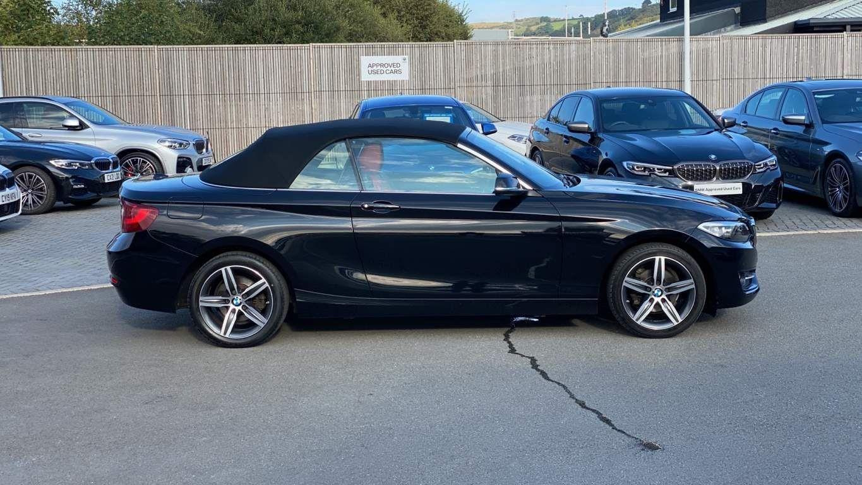Image 2 - BMW 218d Sport Convertible (MJ17EAY)