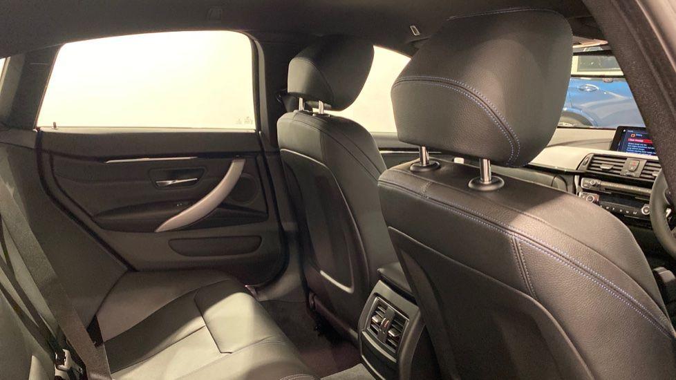 Image 10 - BMW 420i M Sport Gran Coupe (DE70LCU)