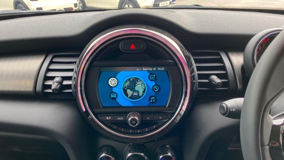 Image 7 - MINI Hatch (DK20JZR)