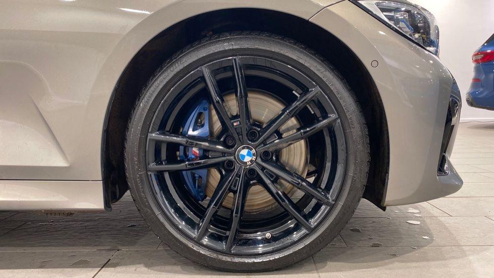 Image 14 - BMW M340d xDrive Saloon (DA20USW)