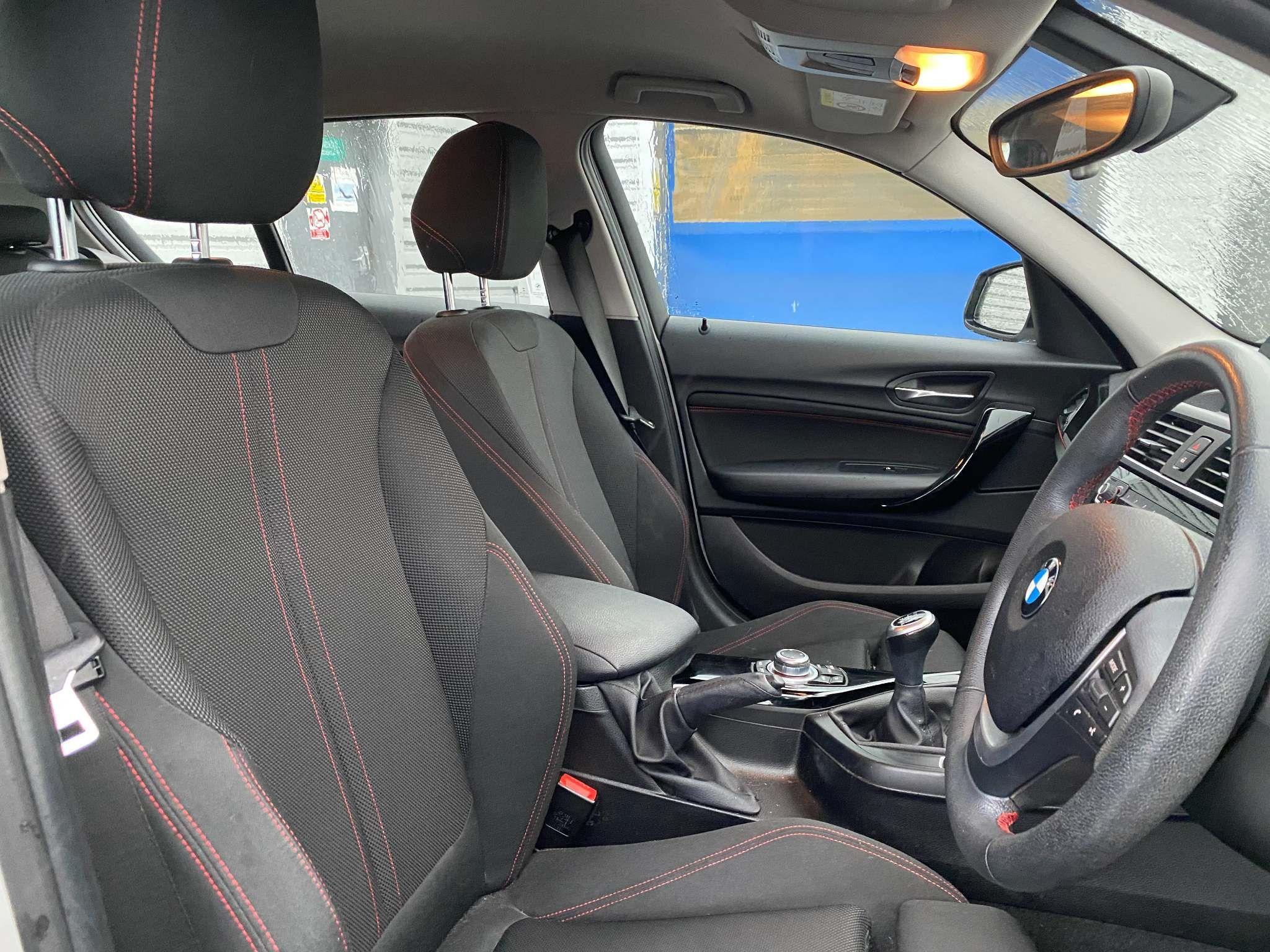 Image 18 - BMW 118i Sport 5-Door (MC66VGP)