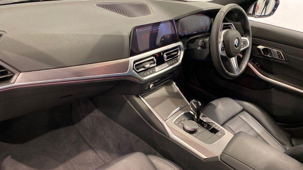 Image 12 - BMW 2.0 330i M Sport Touring Auto (s/s) 5dr (DA20OEK)