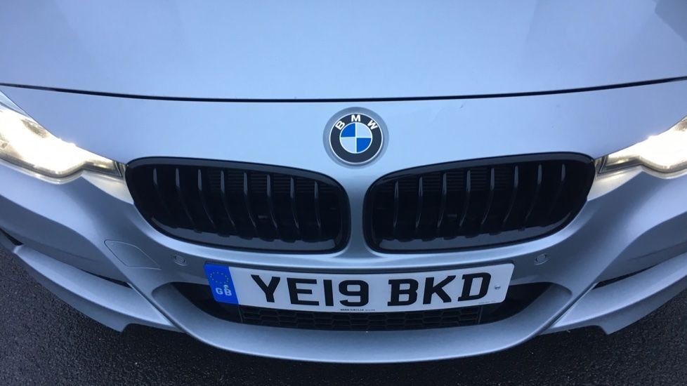 Image 19 - BMW 320d M Sport Shadow Edition Touring (YE19BKD)