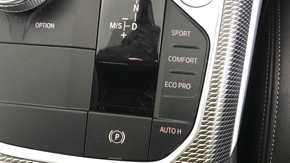 Image 19 - BMW 320d M Sport Saloon (YA69AWP)