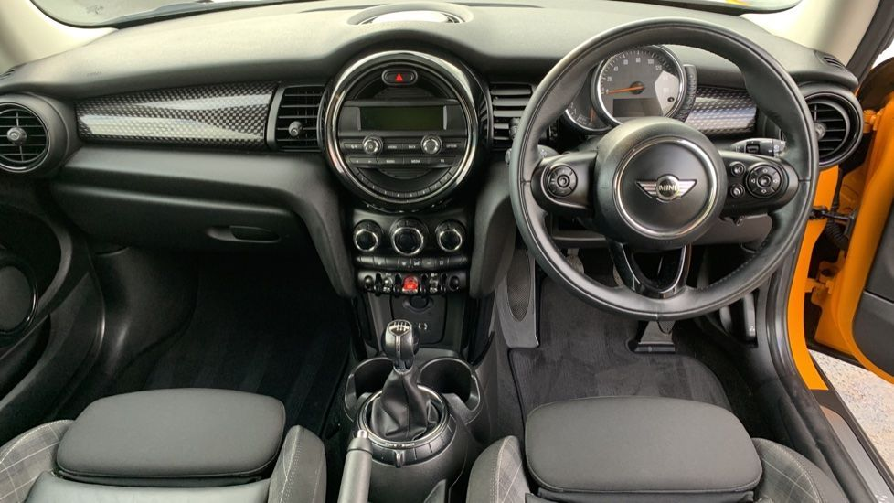 Image 4 - MINI Hatch (CX66GVA)