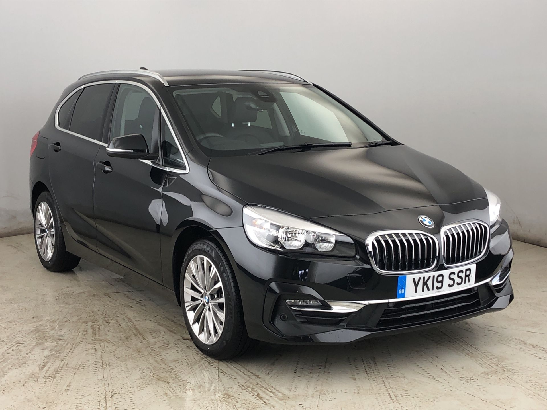 Image 1 - BMW 218i Luxury Active Tourer (YK19SSR)