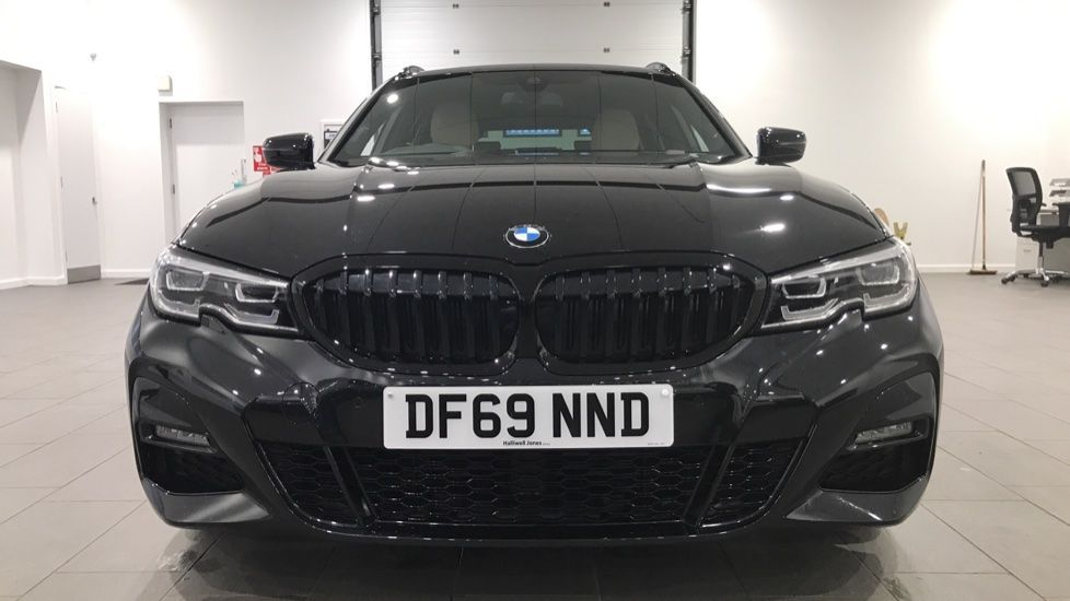 Image 16 - BMW 320d M Sport Touring (DF69NND)