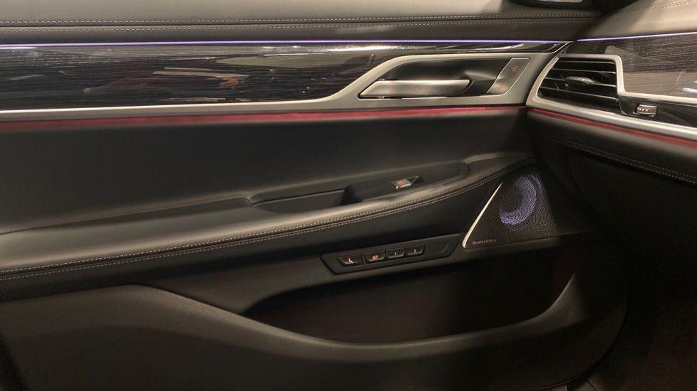Image 31 - BMW 745Le xDrive M Sport Saloon (YG20OWX)