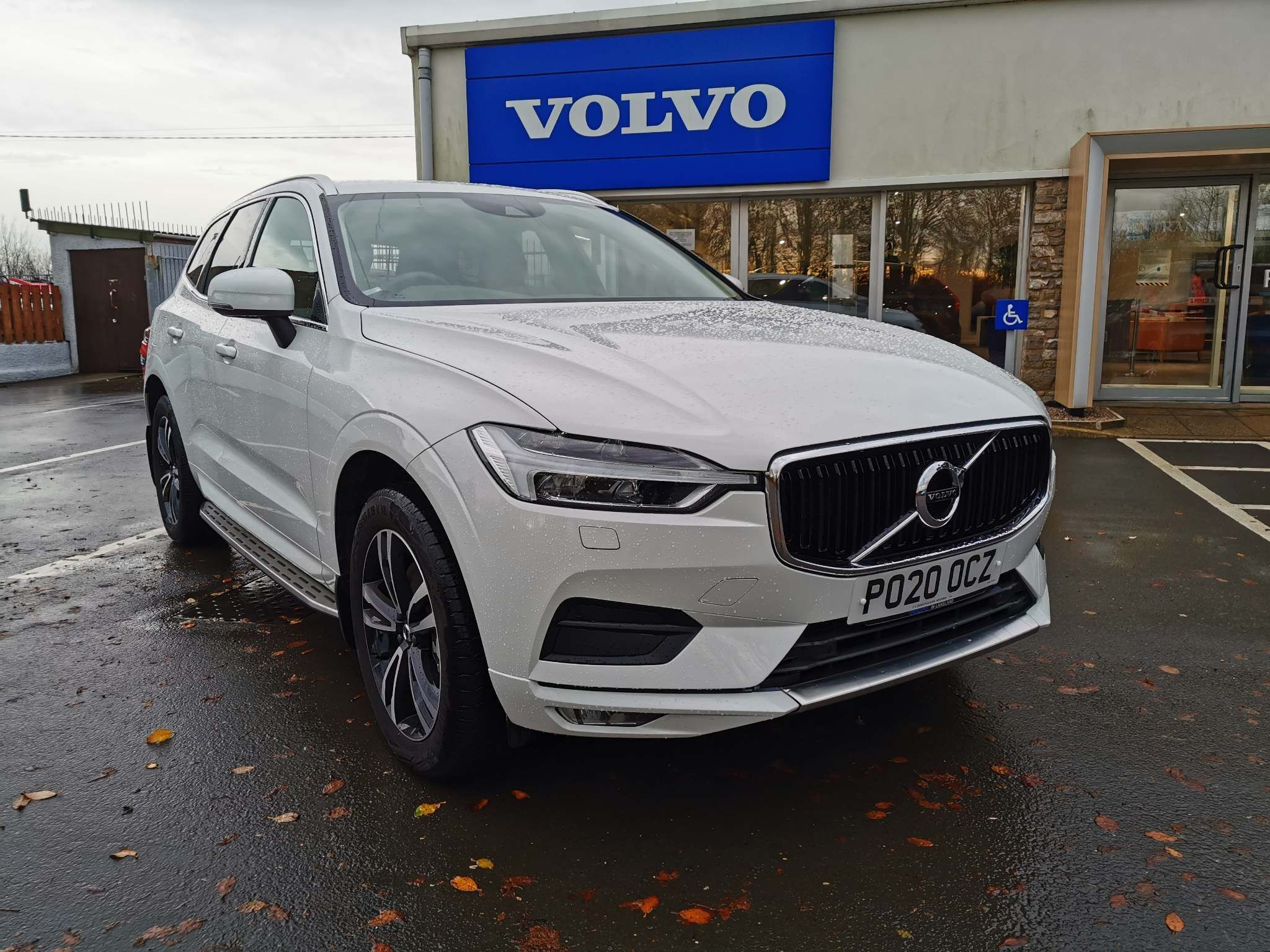 Volvo XC60 2.0 T5 Momentum Pro 5-Door Estate