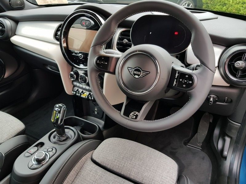Used MINI Hatch Electric Collection ** New 2021 Edition ** (2021 (212))
