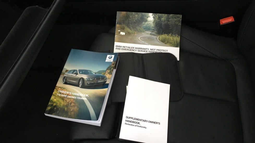 Image 23 - BMW 320i M Sport Shadow Edition Touring (YC19SNJ)