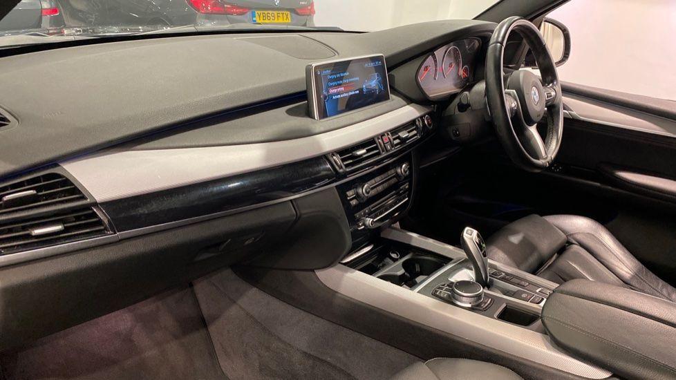 Image 10 - BMW xDrive40e M Sport (LG67FMY)
