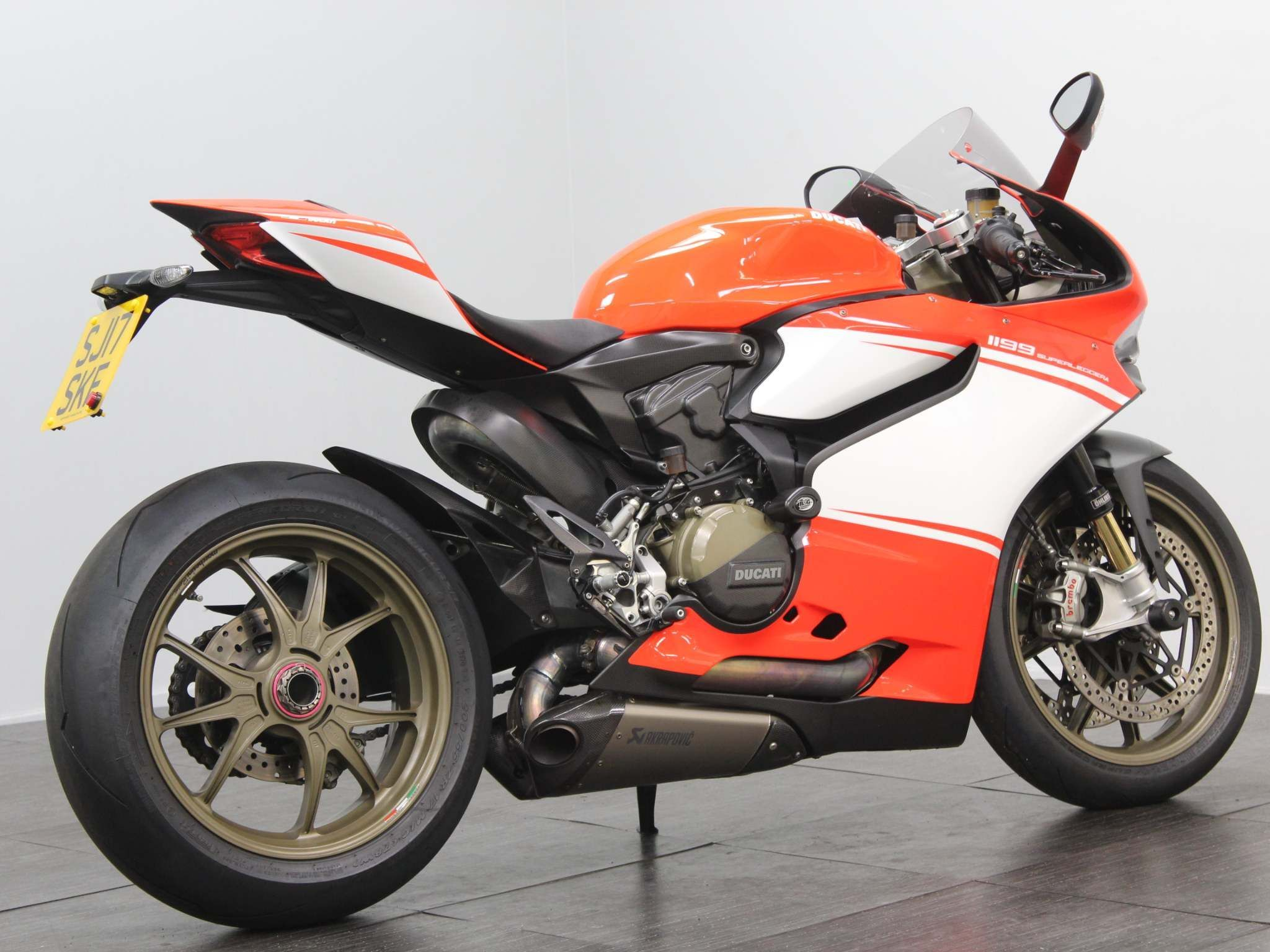 Ducati Superleggera Images