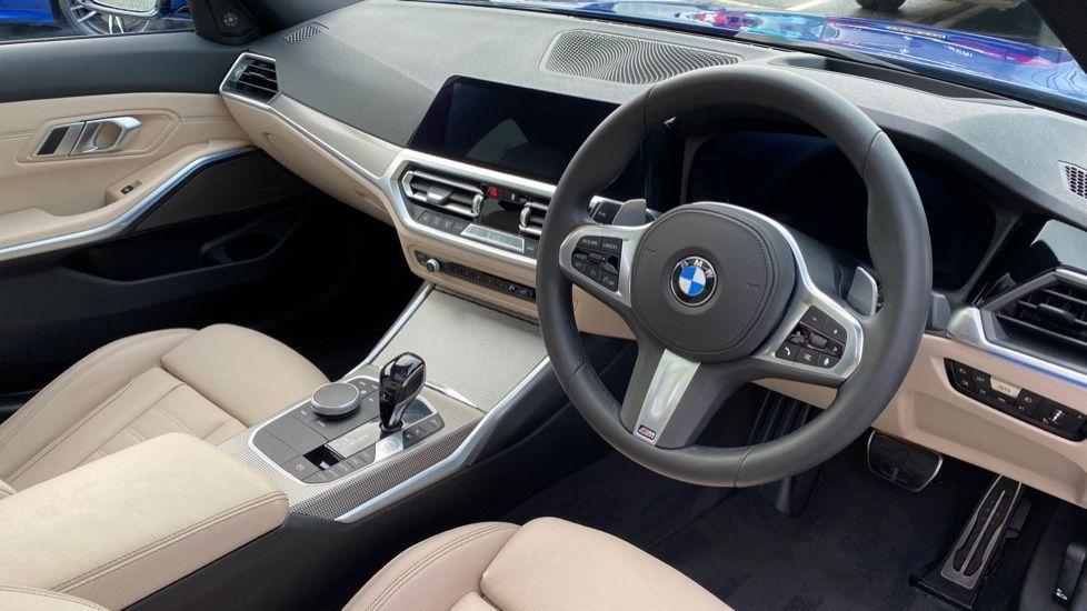 Image 5 - BMW 330e M Sport Saloon (YH69DJD)