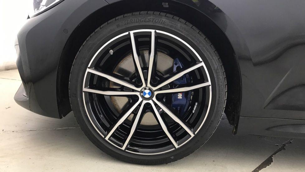 Image 14 - BMW 320d M Sport Touring (YG20CKP)