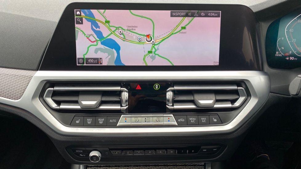Image 7 - BMW 330d xDrive M Sport Touring (YB69FNC)