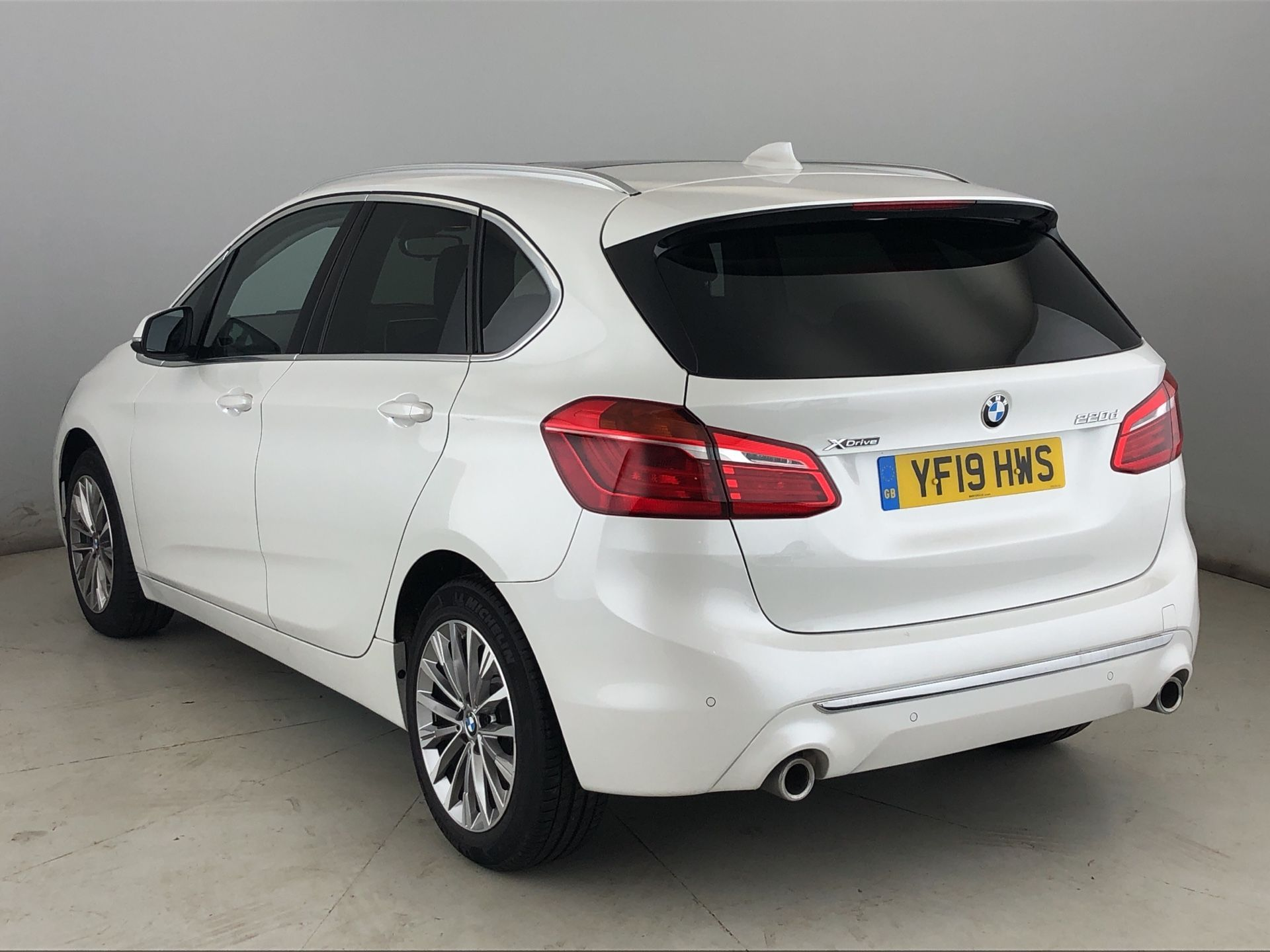 Image 2 - BMW 220d xDrive Luxury Active Tourer (YF19HWS)