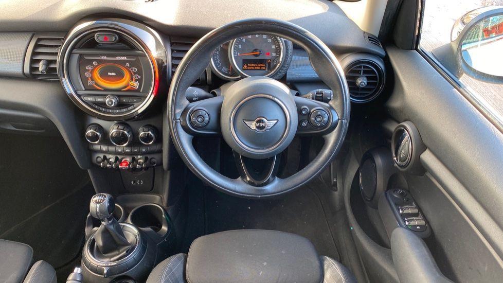 Image 8 - MINI Hatch (MA17XGE)