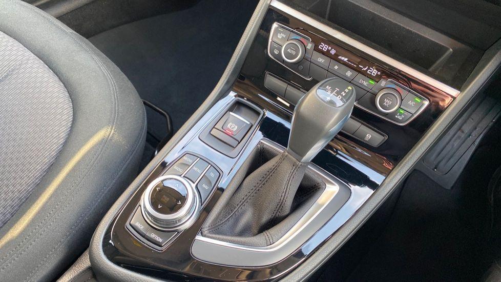 Image 10 - BMW 216d SE Active Tourer (MC17VBX)