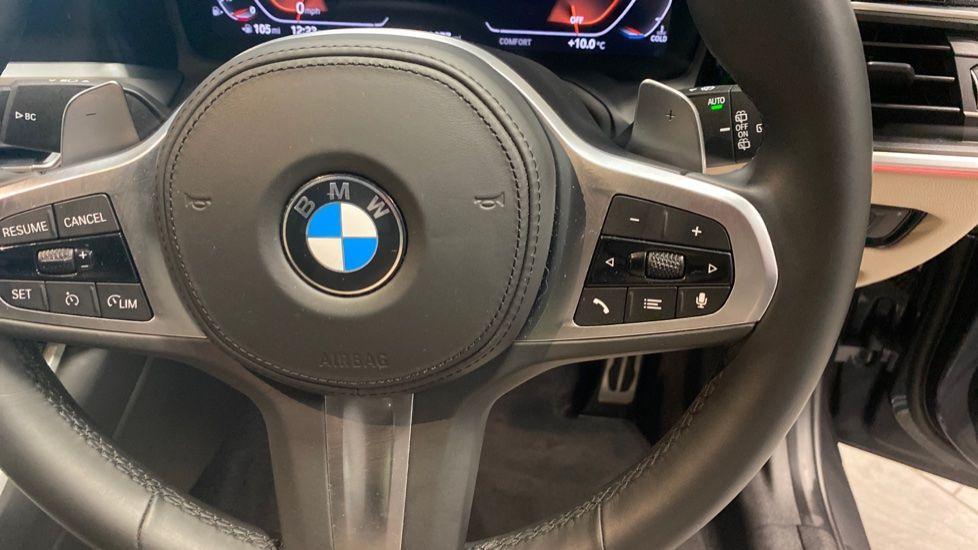 Image 18 - BMW 320i M Sport Touring (YG20JLV)