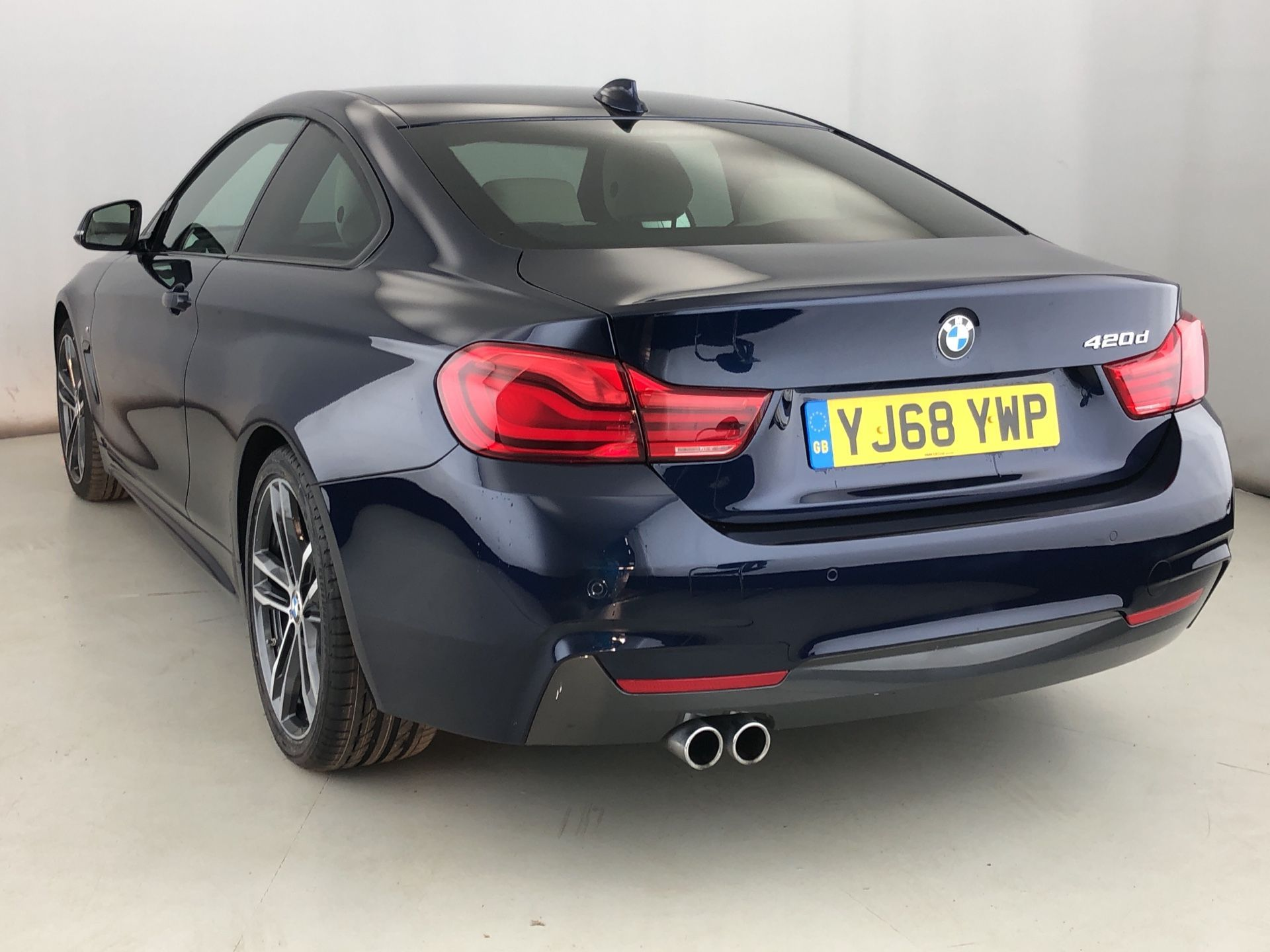 Image 2 - BMW 420d M Sport Coupe (YJ68YWP)