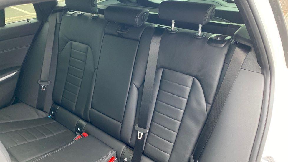 Image 12 - BMW 320i M Sport Touring (YG20JRO)