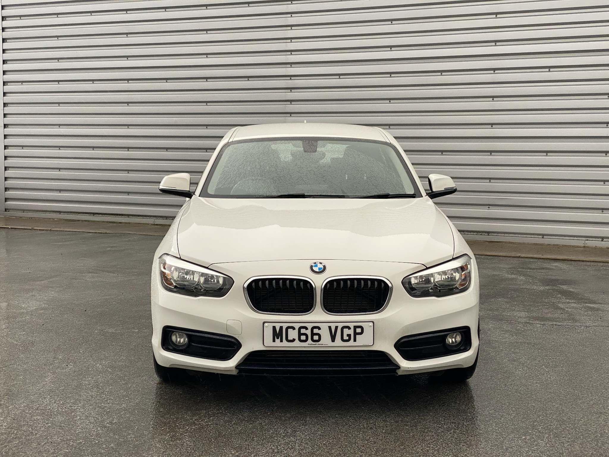 Image 4 - BMW 118i Sport 5-Door (MC66VGP)