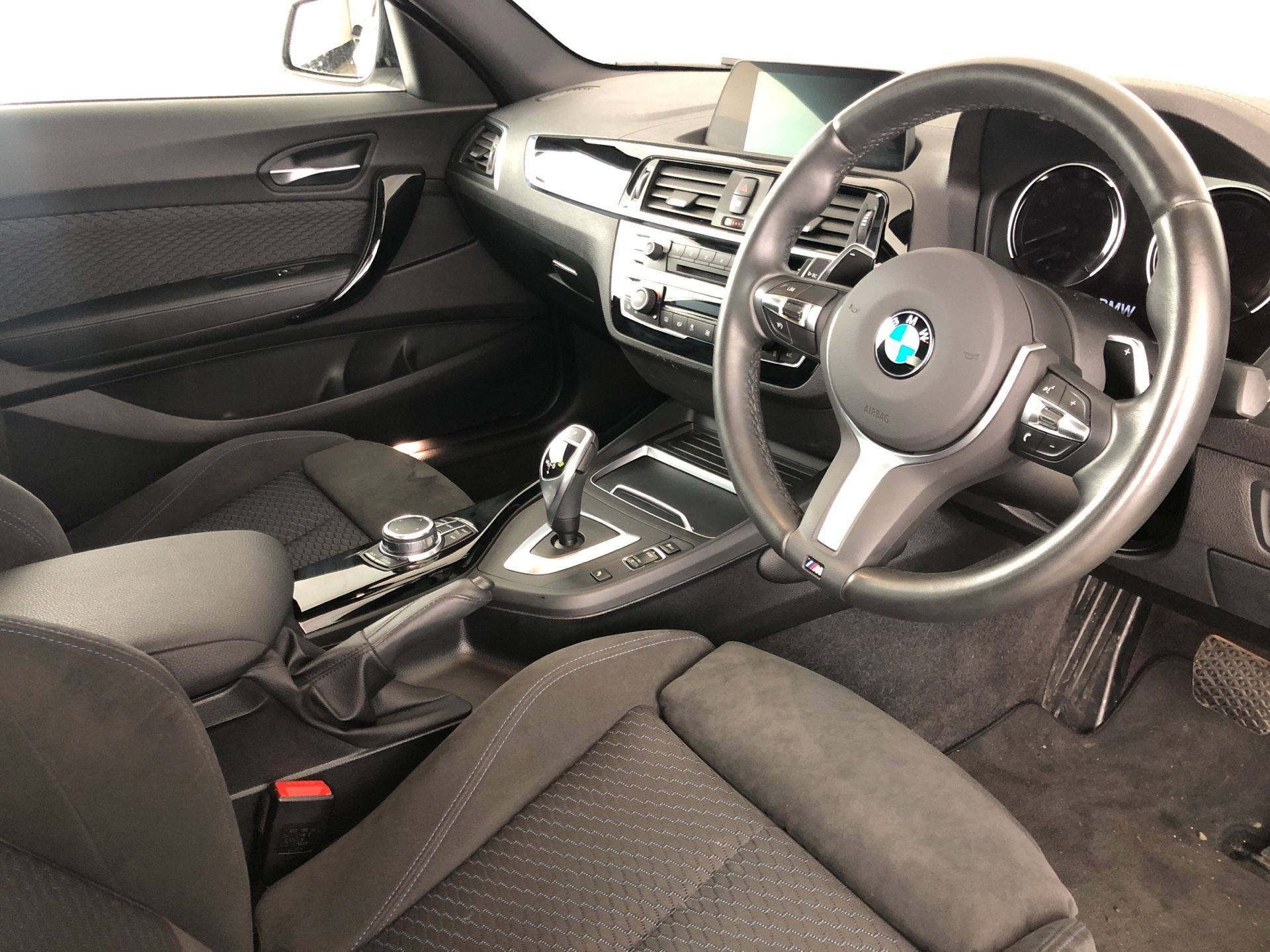 Image 4 - BMW 220d M Sport Coupe (YD68AMF)
