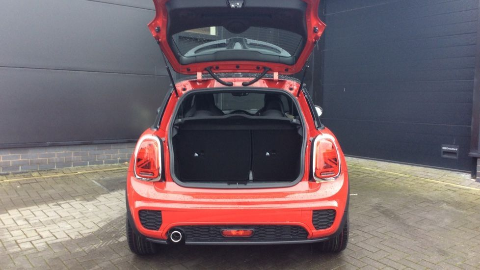 Image 12 - MINI Hatch (PF69CNX)