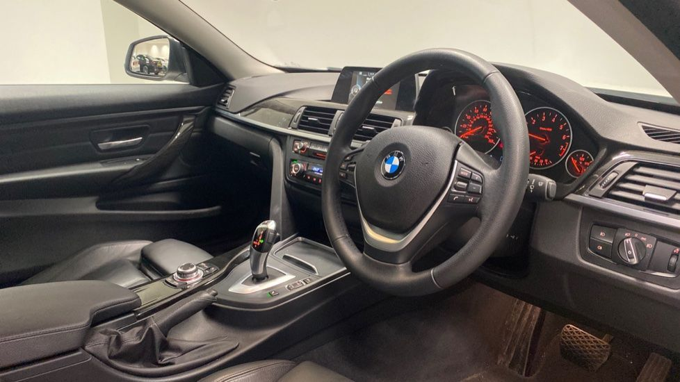 Image 6 - BMW 420i xDrive SE Coupe (PE17MVF)