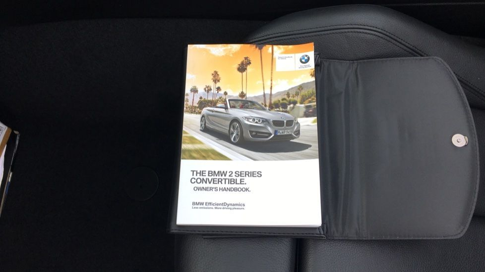 Image 23 - BMW 220i M Sport Convertible (LV65RKY)