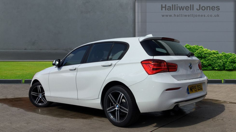 Image 2 - BMW 118d Sport 5-door (MP19DSU)