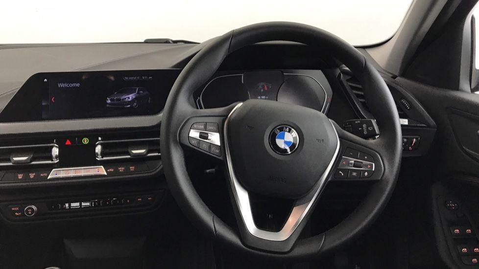 Image 8 - BMW 118i Sport (YF69NZU)