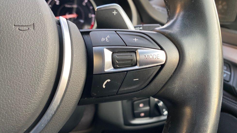 Image 18 - BMW xDrive30d M Sport (MM18CJZ)