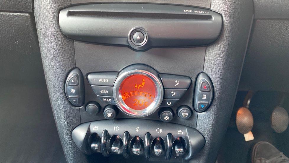 Image 20 - MINI Hatch (YP61TBX)