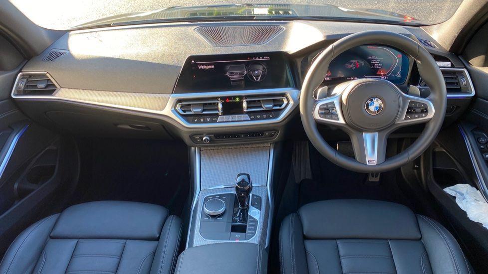 Image 4 - BMW 320d M Sport Saloon (YD69BBT)