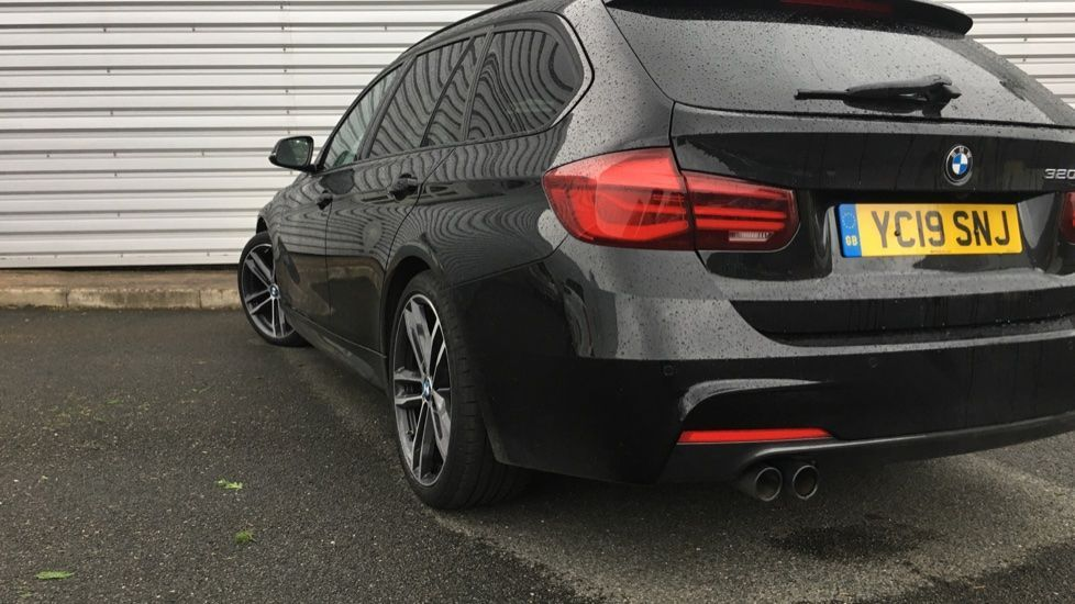 Image 27 - BMW 320i M Sport Shadow Edition Touring (YC19SNJ)