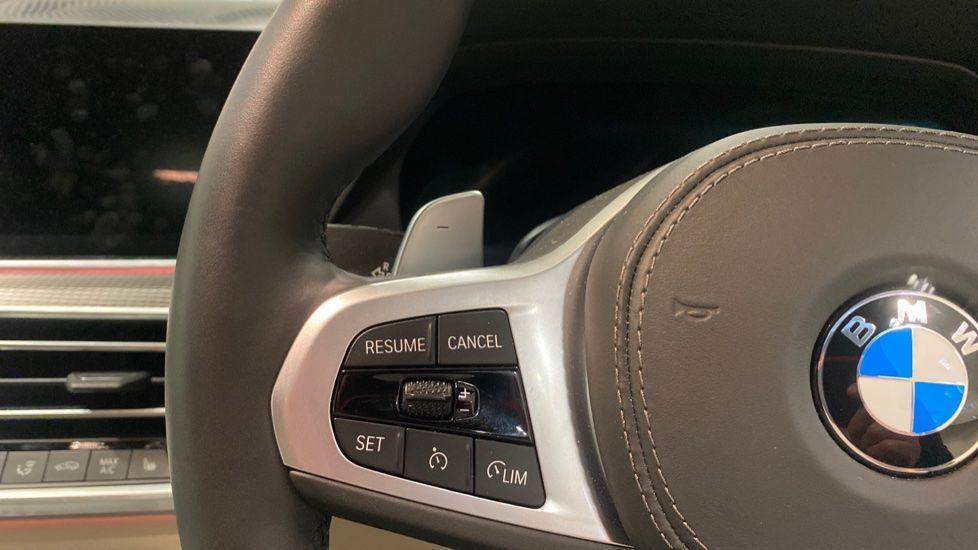 Image 17 - BMW xDrive40i M Sport (YE20DWY)