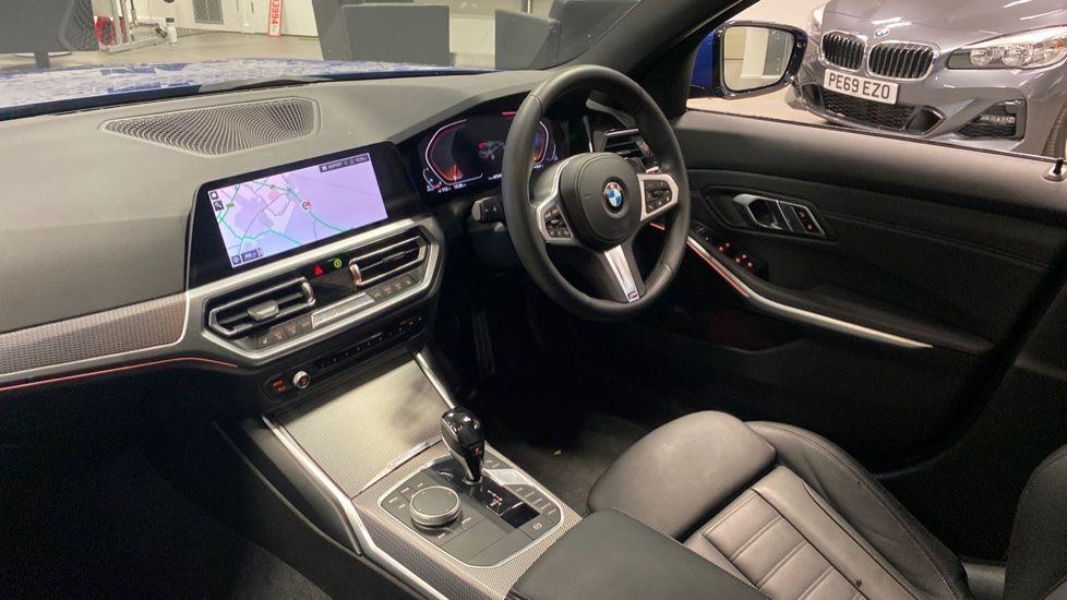 Image 6 - BMW 320d M Sport Saloon (YB69WNR)