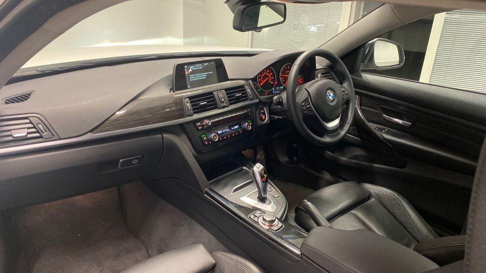 Image 7 - BMW 420i xDrive SE Coupe (PE17MVF)