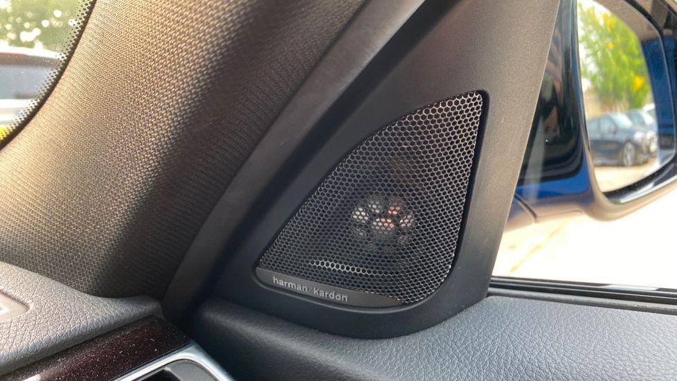 Image 17 - BMW 320i xDrive M Sport Shadow Edition Saloo (YB67KFC)